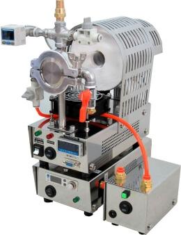 超静音型真空ポンプとデジタル流量ガス導入ユニット組み合わせ写真です。