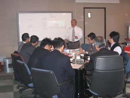 フルテック株式会社 企画・開発 会議風景